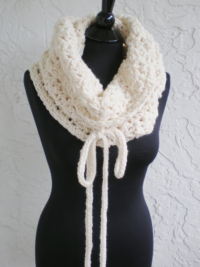 hand crochet hood Cowl  ~ fancy cowl chunky ~