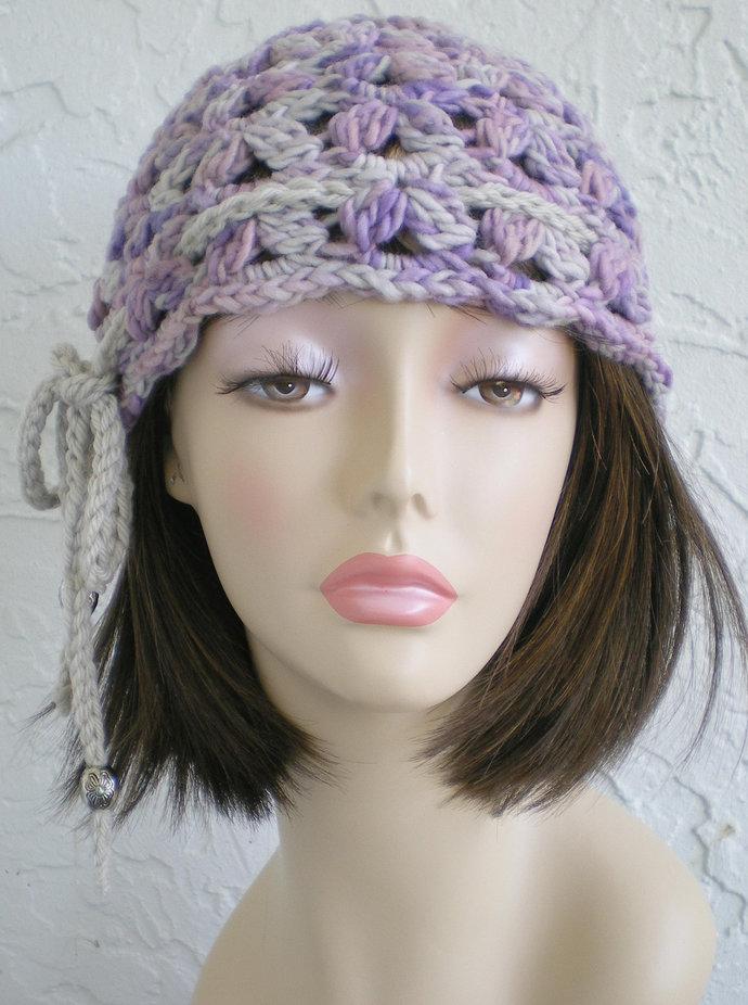 hand crochet cloche beanie hat ~ scallop hat ~ brisa