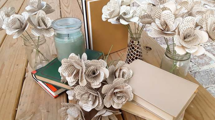 Recycled Book Page Flowers, Book Roses, Literary Flowers, 1st Anniversary Paper