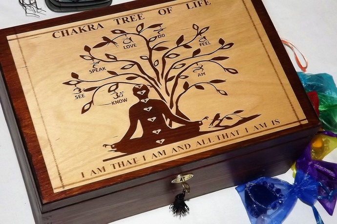 BEAUTIFUL Unique Design - LOCKABLE Handmade CHAKRA Tree Of Life WOODEN box.