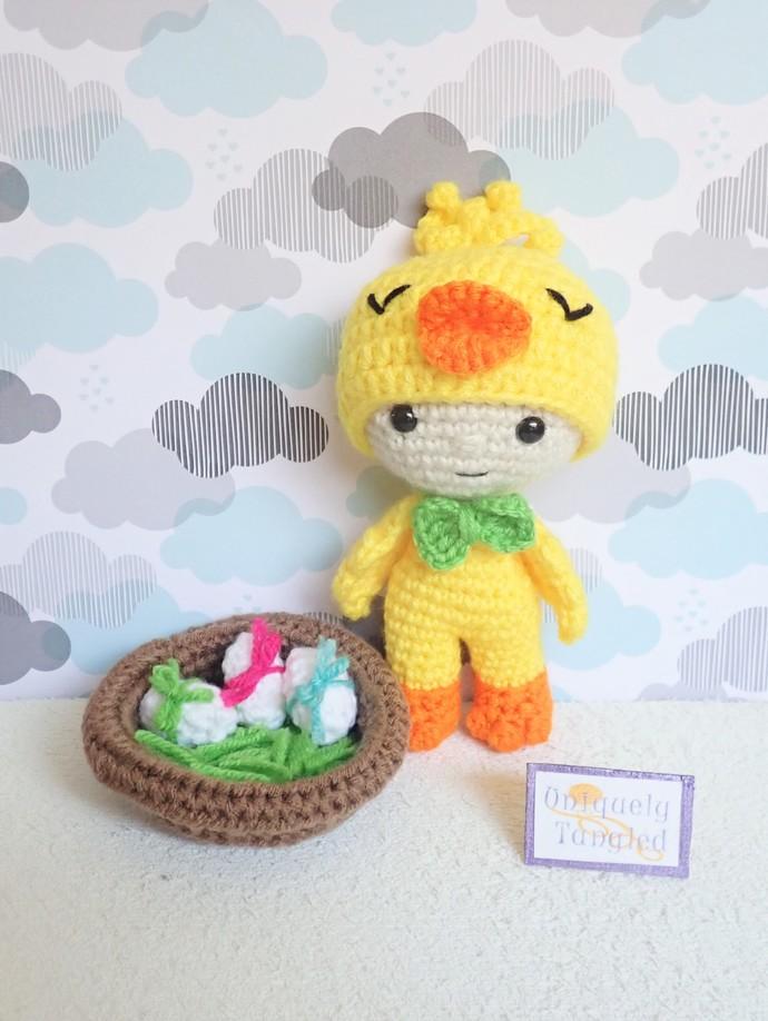 Felton in Chick Costume- Crochet Amigurumi Pattern PDF