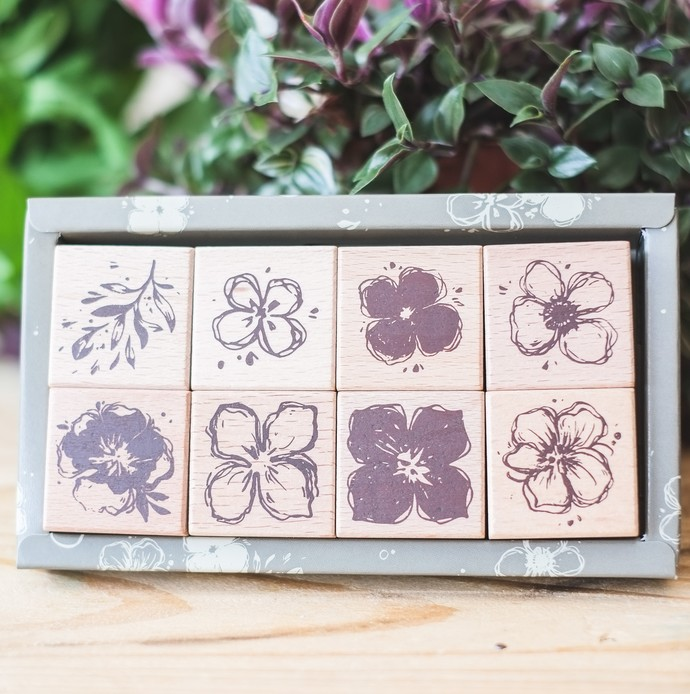 Meow Illustration wooden stamp set - Wild Irises in Summer - 8 stamps