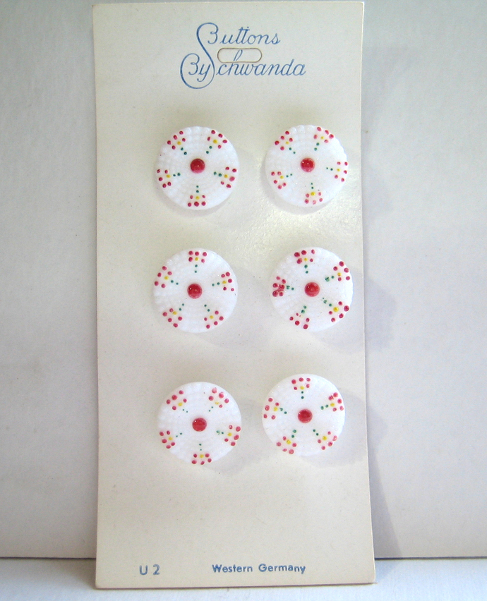 """Vintage White Glass Buttons 1/2"""" Painted Design 7087-6"""