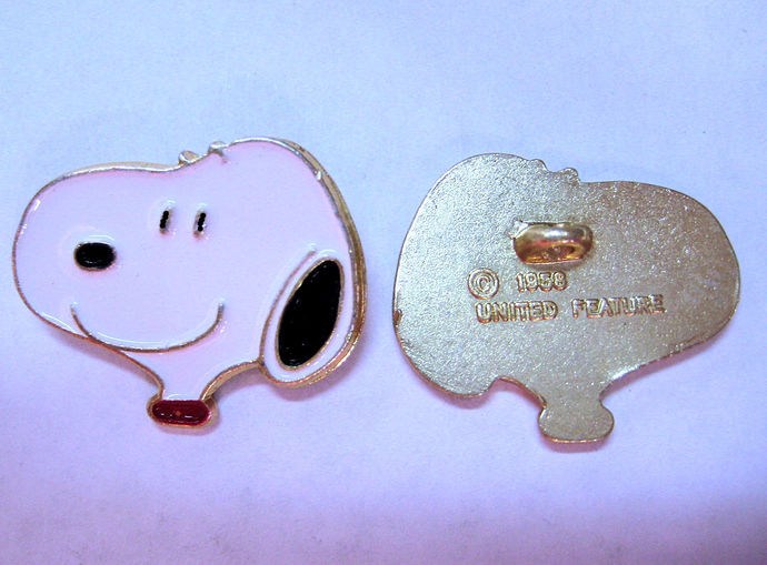 Snoopy Head Metal Sewing Button Charles Schulz, Peanuts Collectible