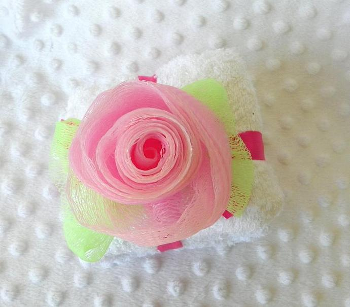 Rose Mesh Loofah Soap Scrub and Hand Towel Gift Set