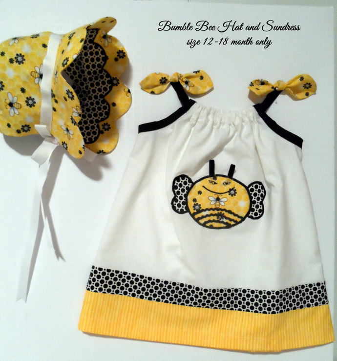 ON SALE / Baby Bonnet / Scalloped Bumble Bee Bonnet with matching Sundress /