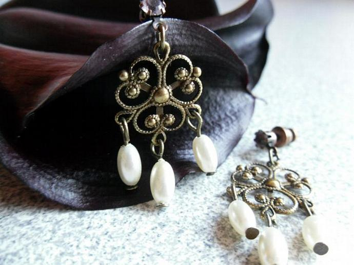 Rice Pearls with Antique Filigree Flower