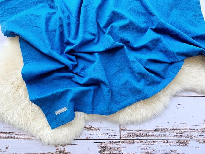 Skydiver Blue Single-Layer Flannel Blanket