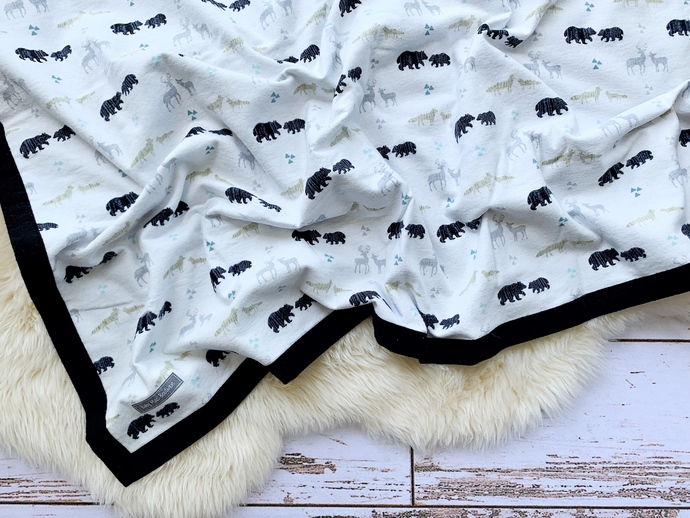 Woodland Animals Tossed & Black Double-Layer Flannel Blanket