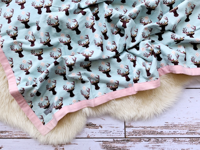 Stag Head & Powder Pink Double-Layer Flannel Blanket