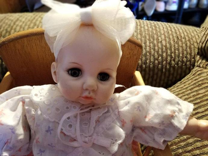 Vintage retired Alexander Doll  Victoria