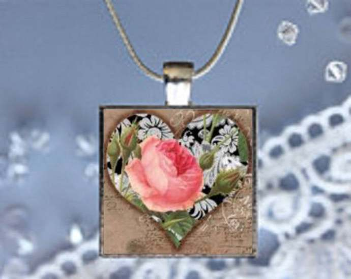 Pendant Necklace Heart with Flowers