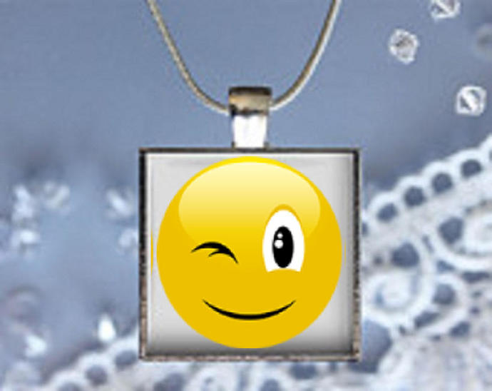 Pendant Necklace Emoji Winking