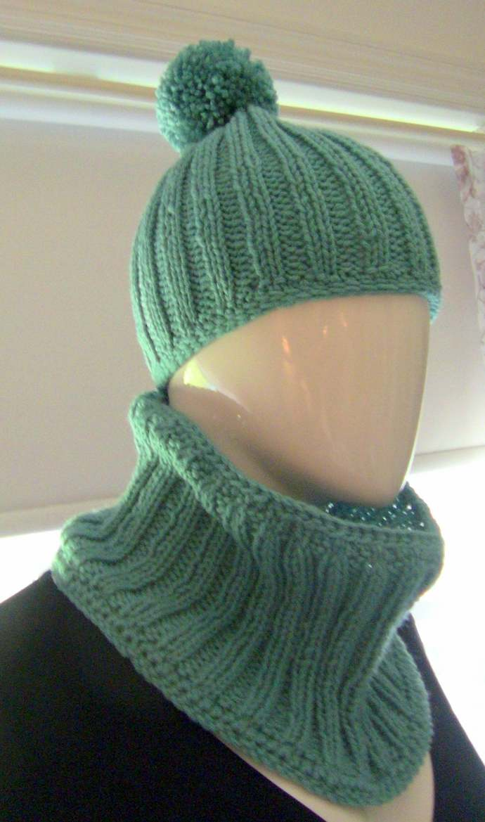 Hat and Cowl, Knitted Hat and Cowl, Turquoise Hat and Cowl, Gift For Her,