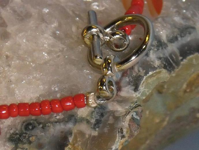Carnelian chips and red seed bead bracelet
