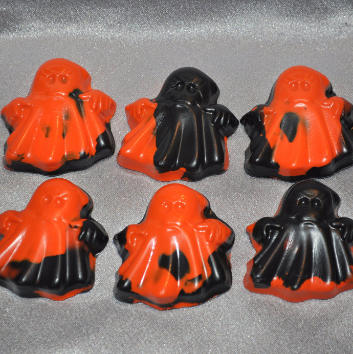 Ghost Shaped Recycled Crayons, Total of 25.  Boy or Girl Kids Unique Party
