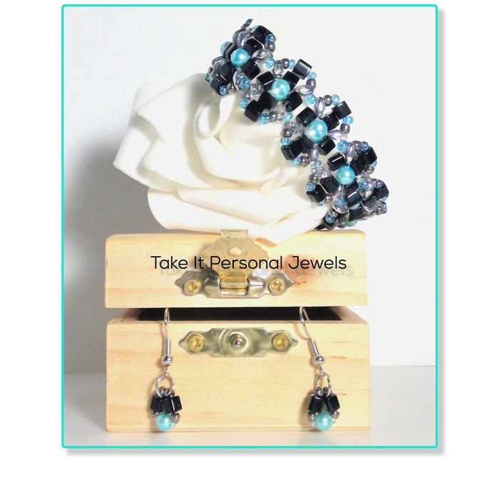 Jewelry Teal Blue Pearls Handmade Black Glass Cube Beaded Silver Bracelet Free