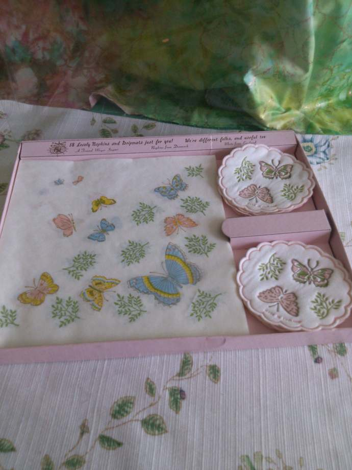 Imported Vintage Butterfly Lunch Set in original Box