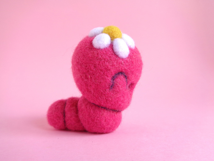 TINY TOY - Daisy Worm, miniature Art Toy, needle felted worm, kawaii plush toy,