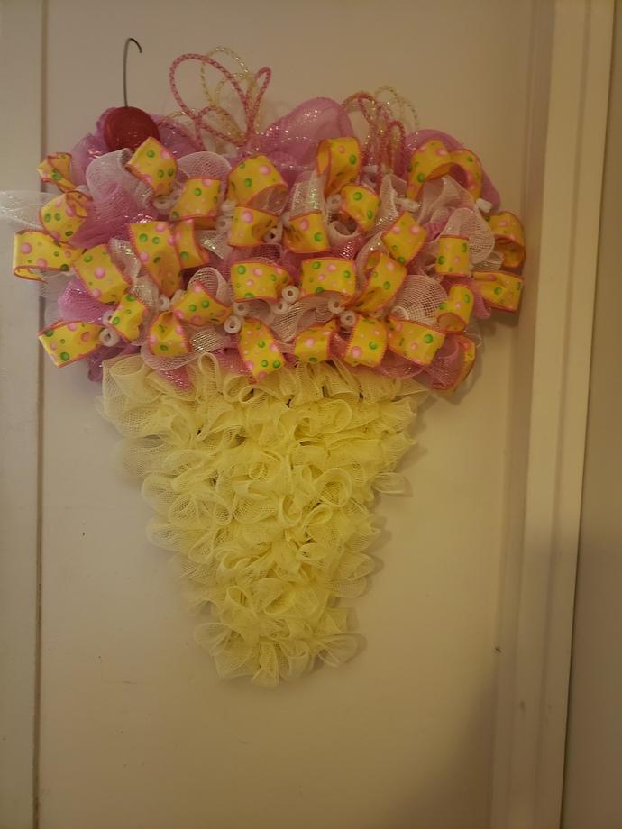Ice Cream Wreath, Cone Wreath, Year Around Wreath, Poke a Dot Ribbons Wreath,