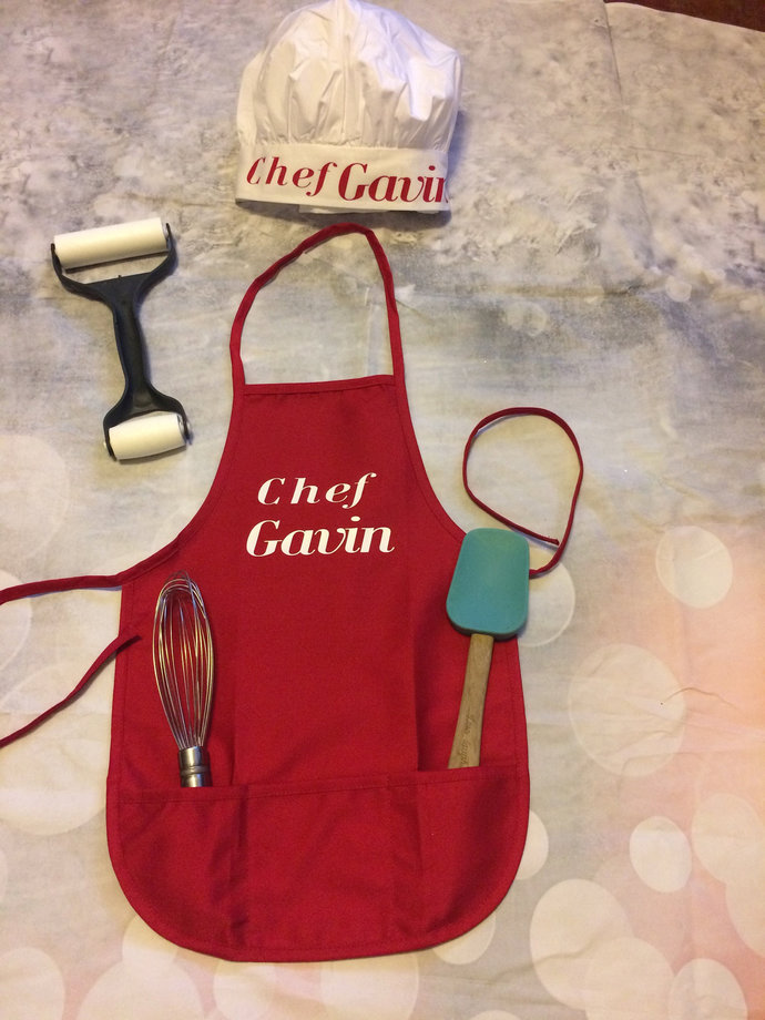 Personalized children's aprons with chefs hat. 3 front pockets, For boys or