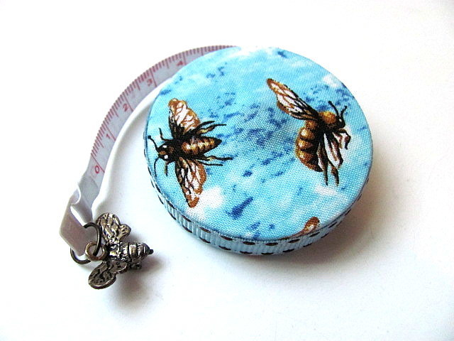 Measuring Tape Bee Nice Small Retractable Tape Measure