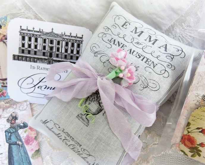 Jane Austen Book Lovers' Lavender Sachet Gift Boxed Set with Gift Tag, Bookmark,