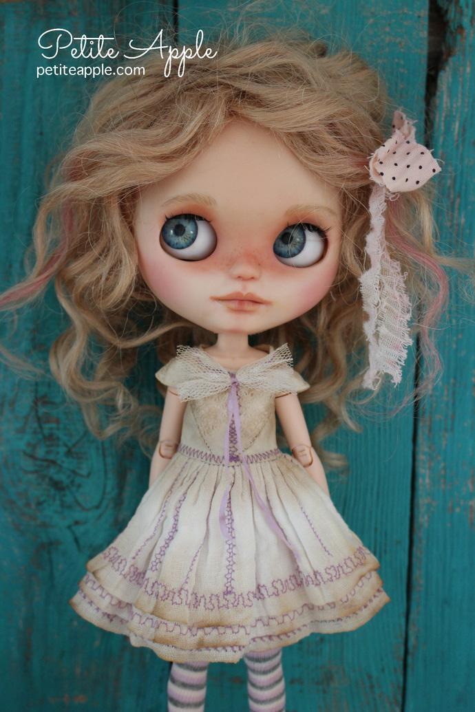 Blythe doll OOAK dress- *Eternity* antique pure silk