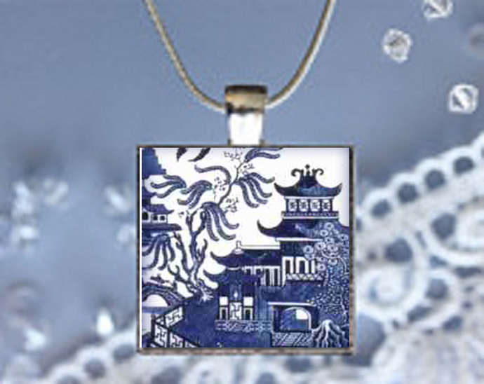 Pendant Necklace Chinese Print