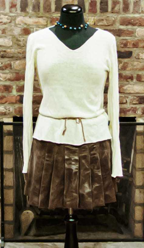 100% soft leather, made in Italy, mini-skirt