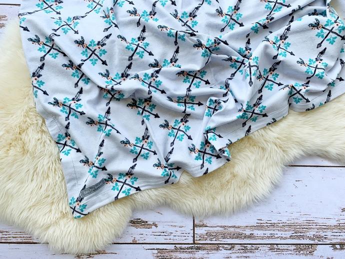 Culture Arrows Single-Layer Flannel Blanket