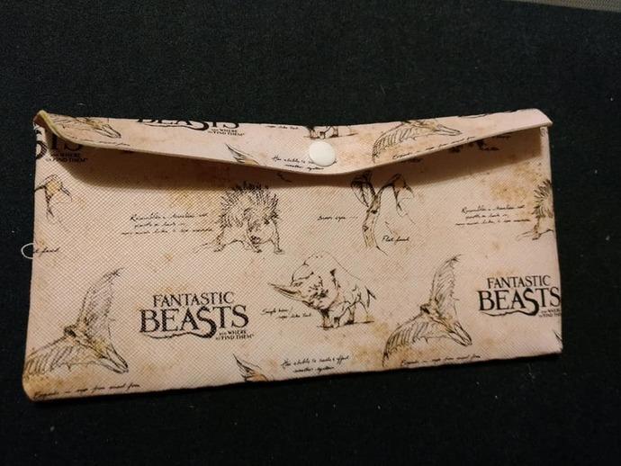 Beige Fantastic beasts wallet/pouch