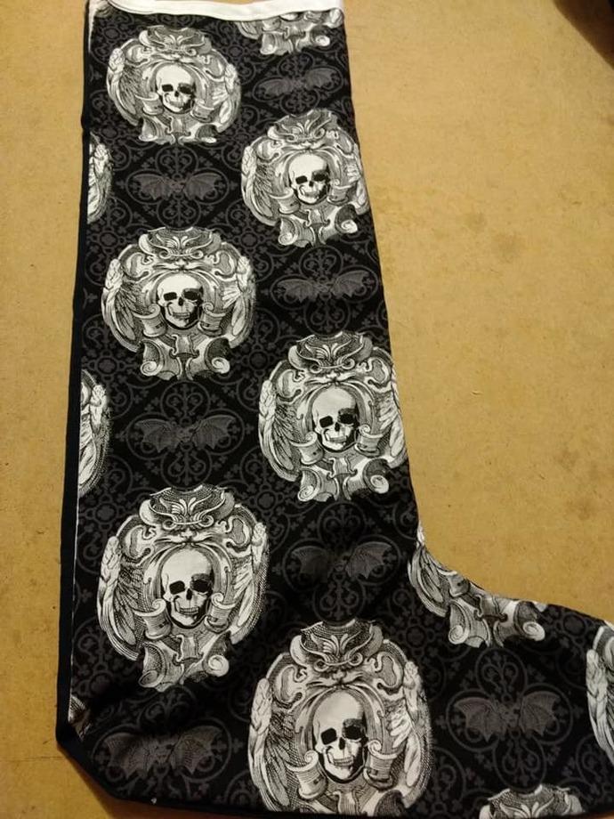 Black & white skull stocking