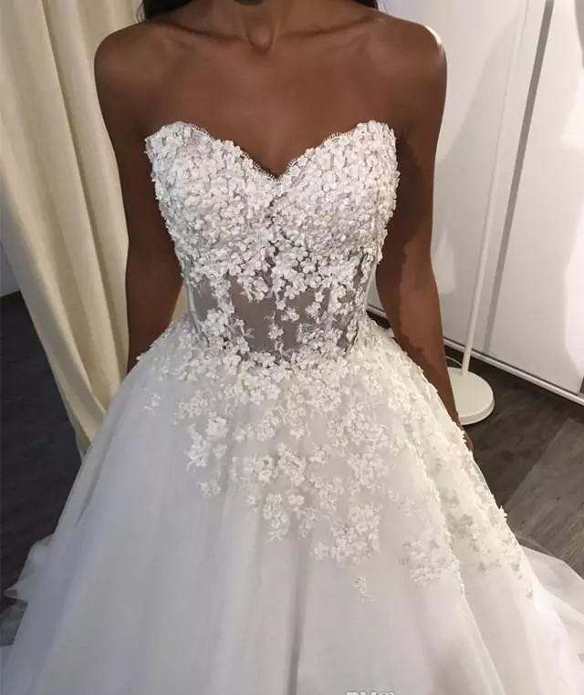 Sexy Sweetheart A Line Wedding Dresses Corset Back Sweep Train 3D Lace Seaside