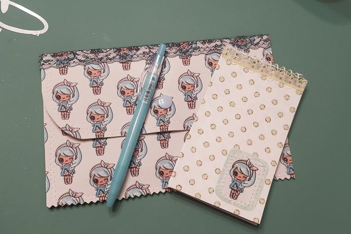 Kawaii girl canvas pouch set