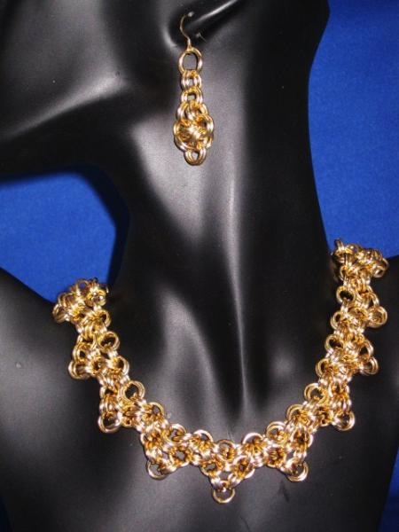Bright Gold Hana Gusari Weave