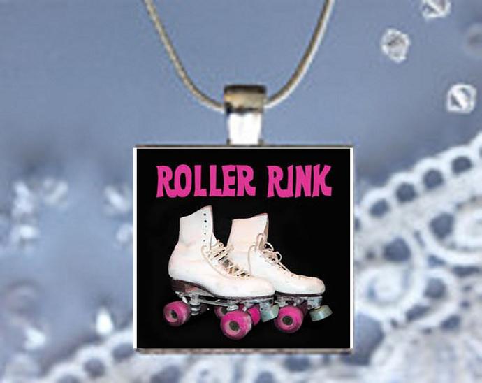 Pendant Neclace 50's Nostalgia, Roller Skates