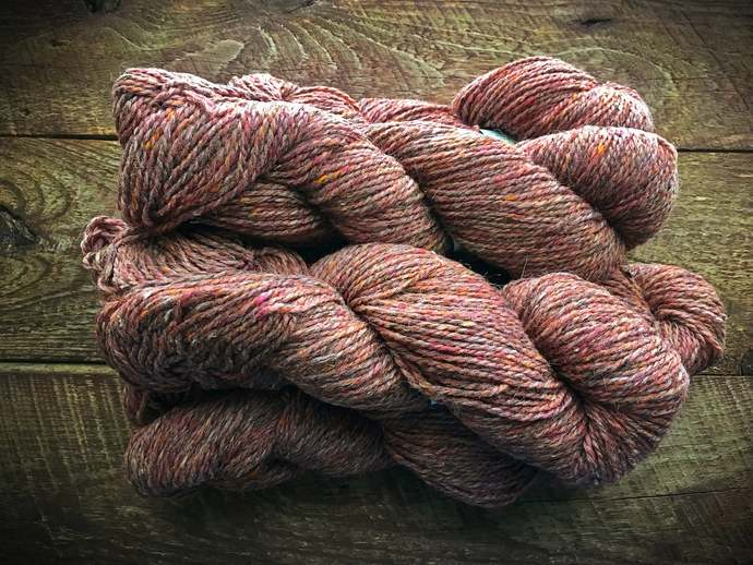 Peace Fleece pure wool yarn - Mourning Dove mauve