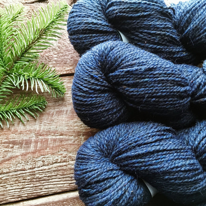 Yarn - Worsted weight wool yarn for knitting - Peace Fleece navy blue - Patience