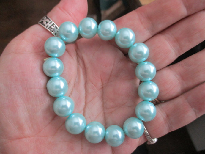 12mm Glass Pearl Bracelet