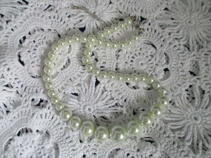 Chunky Pearl Beaded Necklace