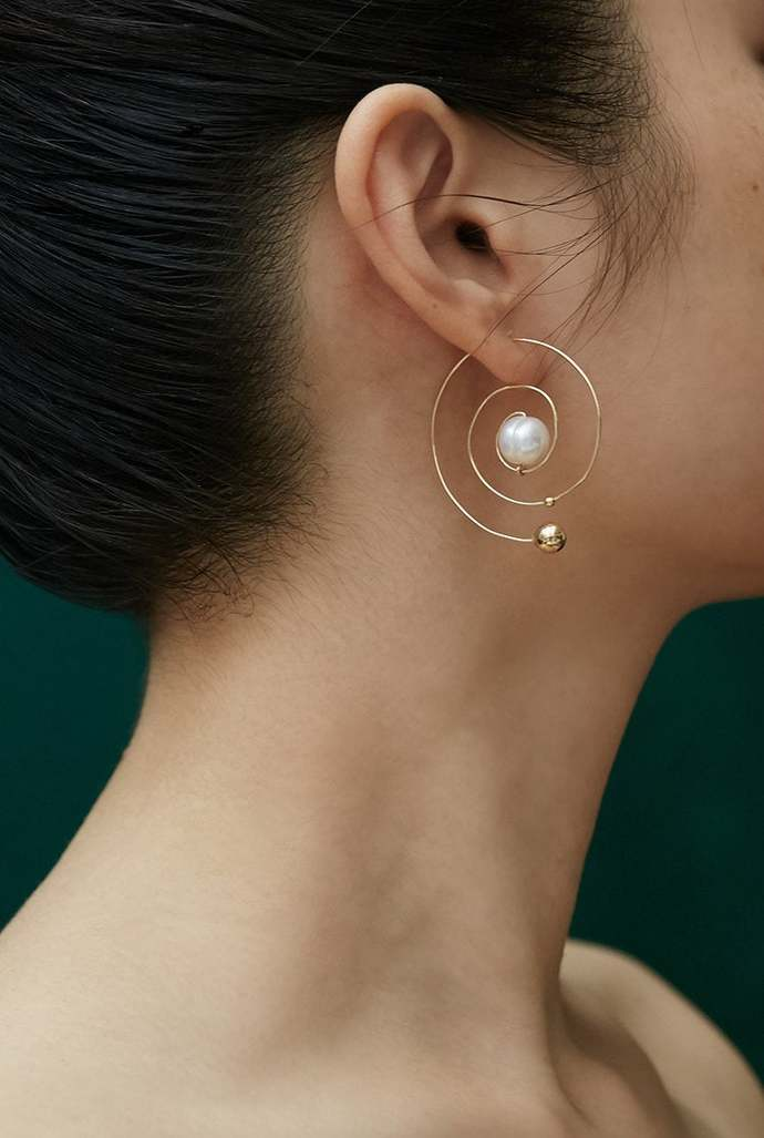 Pearl Conch Dangling Earring Gold Filled- White pearl | Freshwater | 14k Gold