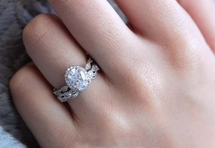925 Sterling Silver Art deco Style White Oval Cut Engagement Bridal Wedding