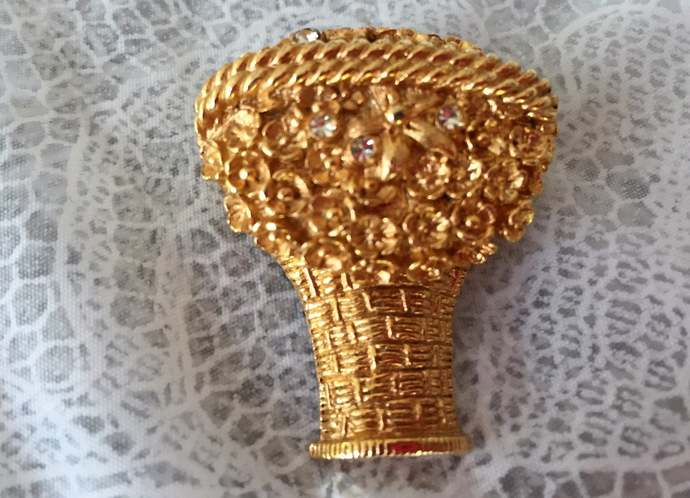 AVON vintage signed brooch with compartment for perfume glace'