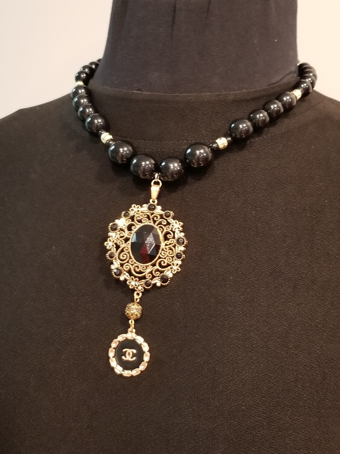 Chanel inspired style necklace, fashion jewelry, black pearls, designer jewelry,