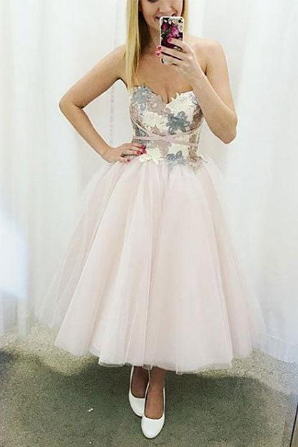 Sweetheart Appliques Tulle Homecoming Dress
