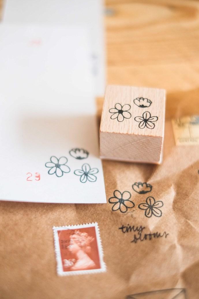 London Gifties original design wooden stamp - Tiny Blooms - 3 x 3 cm