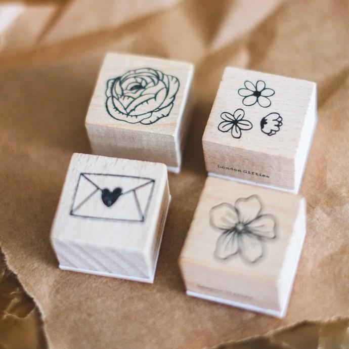 London Gifties original design wooden stamp - Happy Mail - 3 x 3 cm