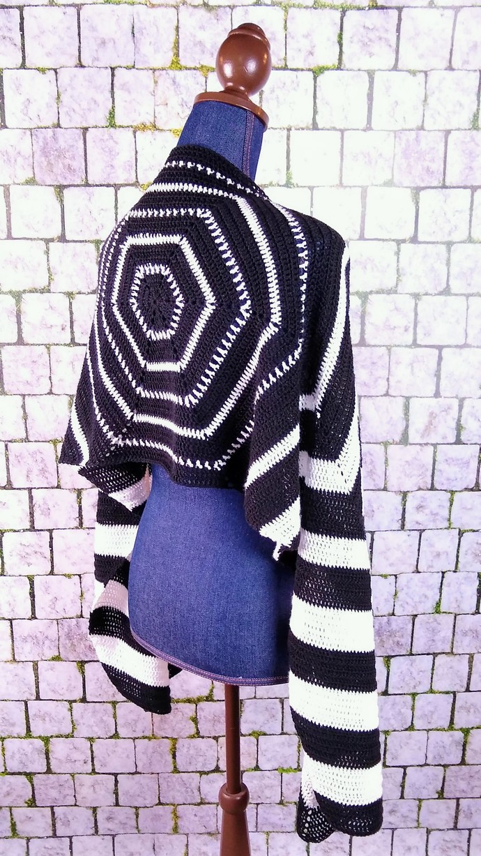 Hexagons and Chevrons Black and White Shawl