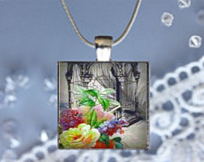 Pendant Necklace with Floral